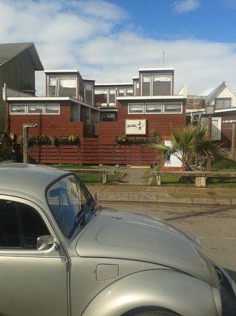 Pichilemu Surf Hostal : Las habitaciones y su lindo altillo