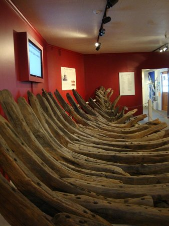 Cape Cod Maritime Museum: recovered ship from 1600s