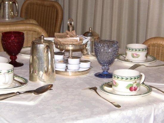 Hotel Cortina: Breakfast!