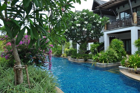 Railay Village Resort: One of the pools