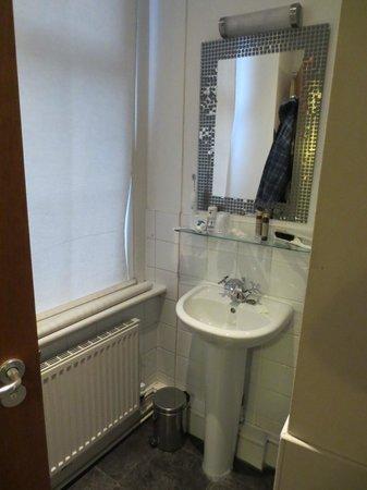 The Wellington Hotel : Bathroom