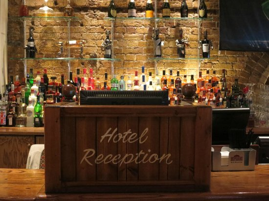 The Wellington Hotel : Pub bar and Hotel Registration