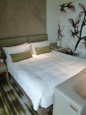 Crowne Plaza Changi Airport: Bed