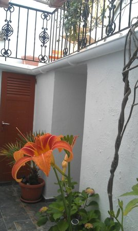 Cava d'Oro Hotel: internal patio