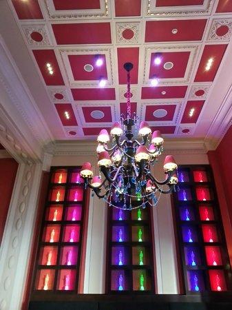 Buddha-Bar Hotel Prague : détail siddharta café