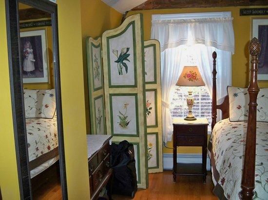 Morning Glory Bed & Breakfast: Sarah Good Bedroom