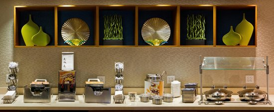 Springhill Suites Sarasota Bradenton: Breakfast Buffet