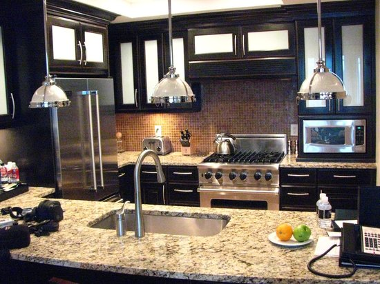 Waldorf Astoria Park City: full kitchen