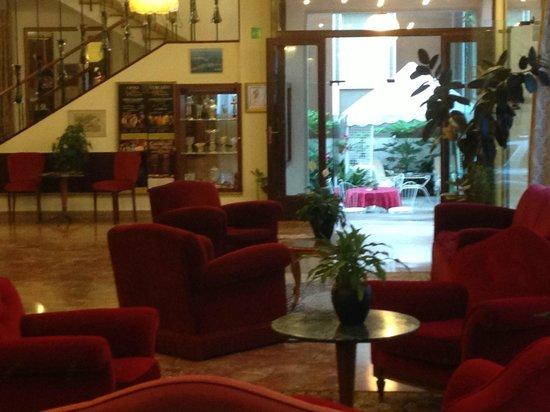 Hotel Rigel: Reception area