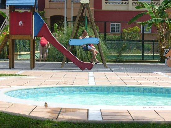 Piscina infantil y juegos picture of iberostar malaga for Piscina inacua malaga