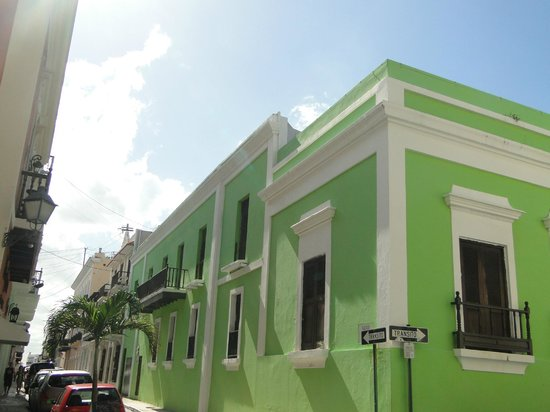 Fortaleza Street: Tropically coloured/white trim Architecture