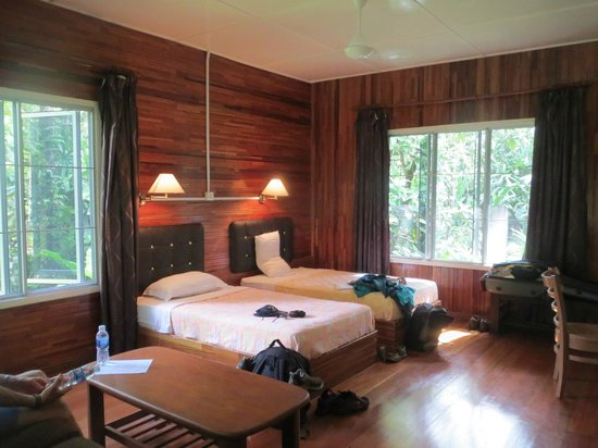 Abai Jungle Lodge: River lodge room