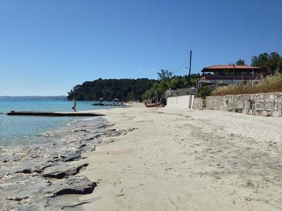 Nostos Hotel: Kallithea beach.