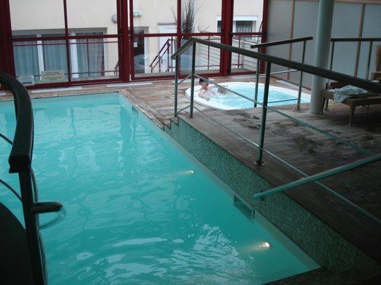 Piscine photo de hotel la matelote boulogne sur mer for Piscine boulogne