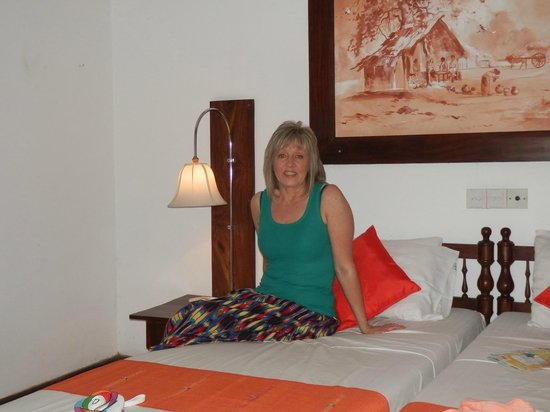 Koggala Beach Hotel: Me in the room