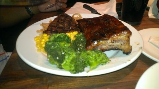 Cheddar's: Steak and ribs