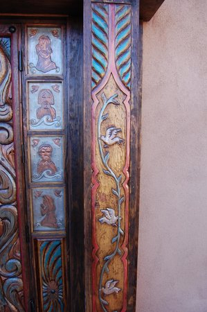 Santo Niño Chapel : Door Panels