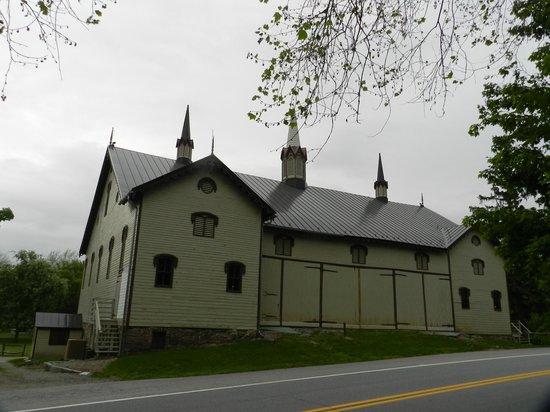 Fort Hunter Mansion and Park : Centennial Barn
