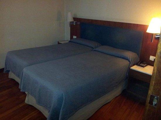 Hotel Pedralbes: Bett