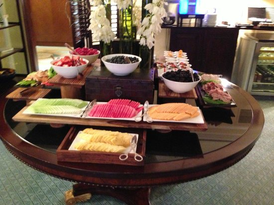 The Ritz-Carlton, Dallas: Club Level Breakfast Display