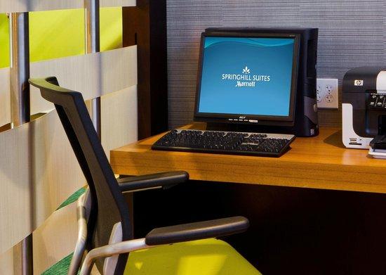 Springhill Suites Sarasota Bradenton: Business Center