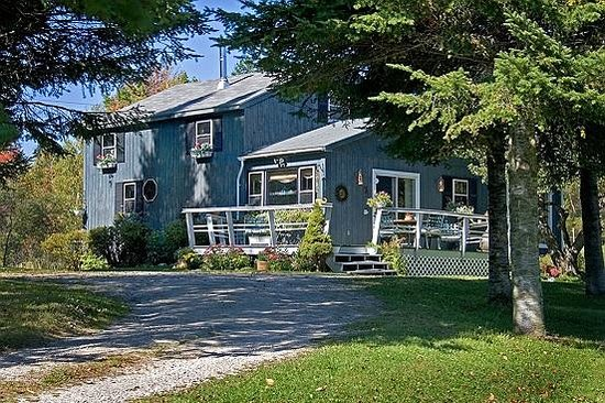 Firefly Bed and Breakfast: Welcome to Firefly B&B