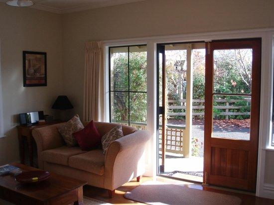 Pinot Villas: Lounge