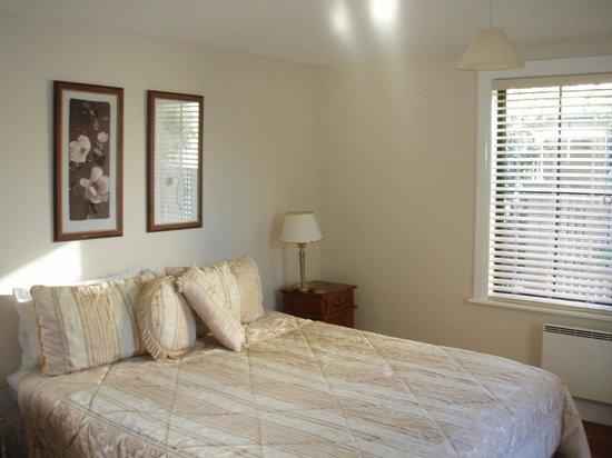 Pinot Villas: Bedroom