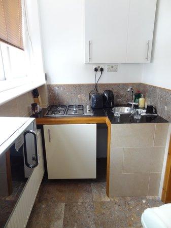 Rivington Apartments: Angolo cucina studio apartment