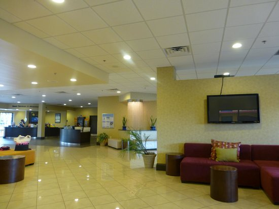 Coco Key Hotel and Water Park Resort: View of Hotel Foyer