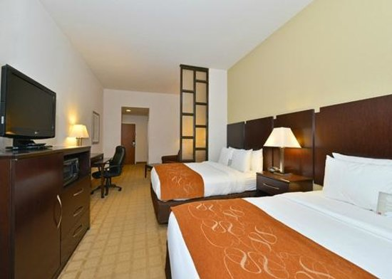 Comfort Suites Commerce: Queen/Queen Suite