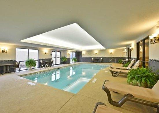 Comfort Suites Commerce: Salt Water Pool