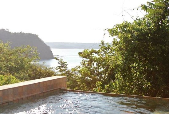 Four Seasons Resort Costa Rica at Peninsula Papagayo: Plunge pool at our suite