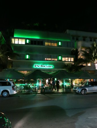 Pelican Hotel: SoBe by nite