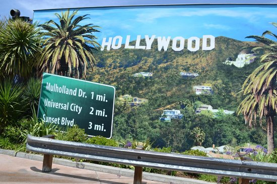 Universal Studios Hollywood Sign Where You Can Have Photos Taken