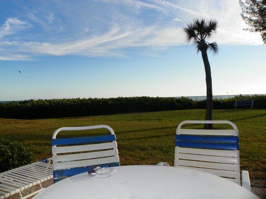 Sand Cay Condominiums Beach Resort: Our backyard at Sandy Cay