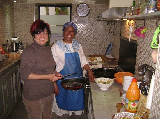 Riad Camilia: con Fatima en la cocina