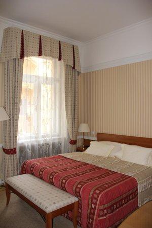 Hotel Paris Prague : quarto