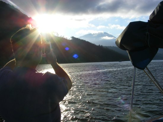 Alberni Charters : Wake up and fish
