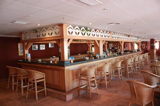 Marbella Playa Hotel: El barrrrr