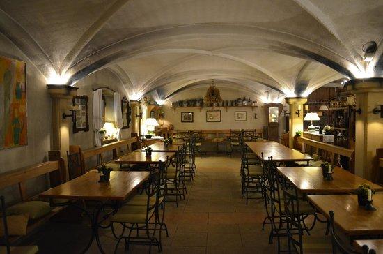 Krug - Das Restaurant: un área muy extensa de mesas