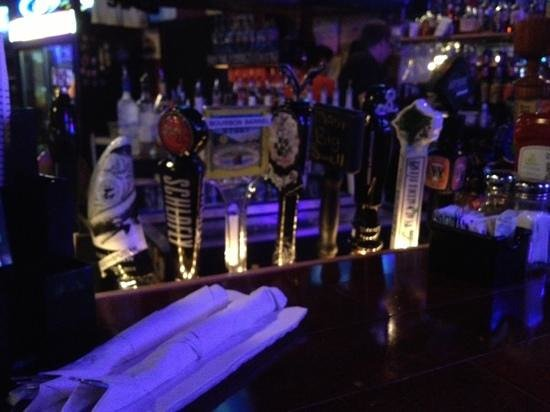 T-Bonz Grille: Lots of great beer on tap