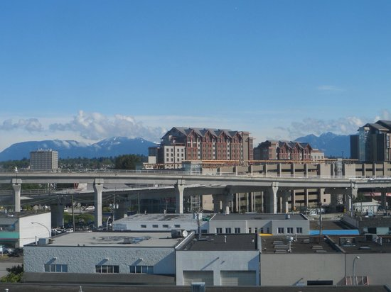 Days Inn by Wyndham Vancouver Airport: View from room