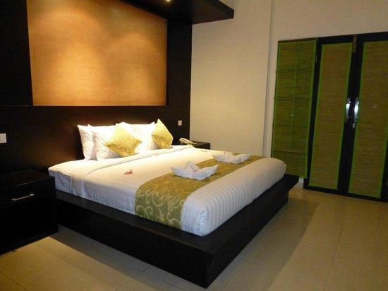 Bali Ayu Hotel: Bed