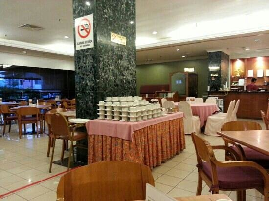 Hotel Grand Continental Kuching: Cafeteria