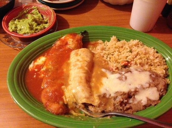 El Azteca: stuffed chile with enchilada n rice n beans