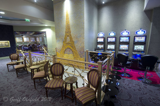 Paris Casino: Seating area overlooking the Bar and Gaming Floor