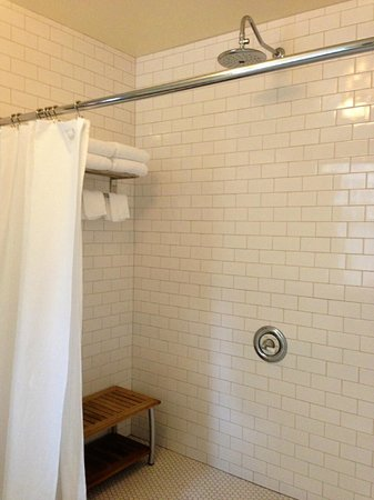 TouVelle House Bed & Breakfast: Shower