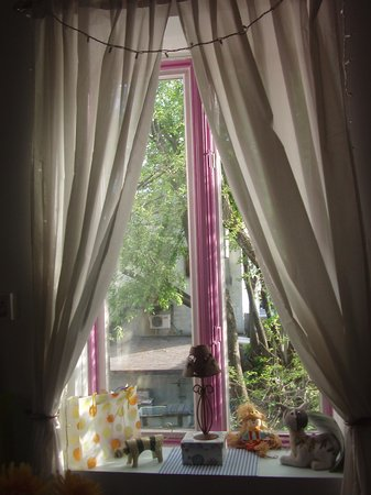 B & B Gite Couette et Chocolat Inc.: the window