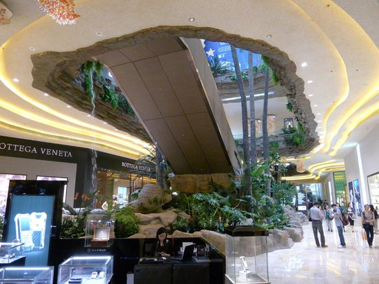 The Shoppes at Cotai Sands Central